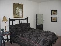 Bedroom at Listing #139404