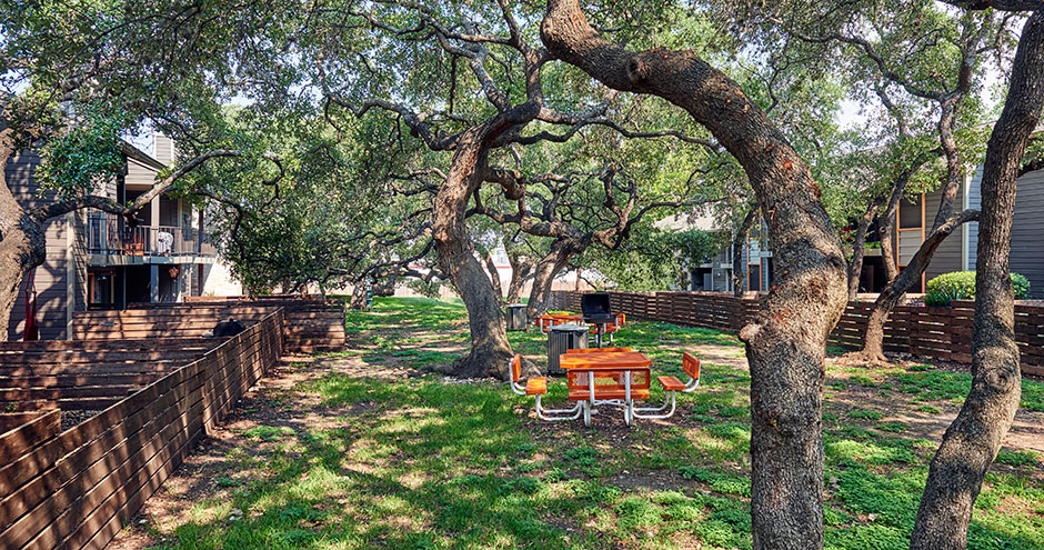 Picnic Area at Listing #140888