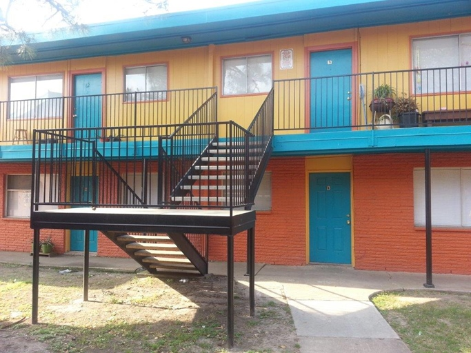 Exterior at Listing #139482