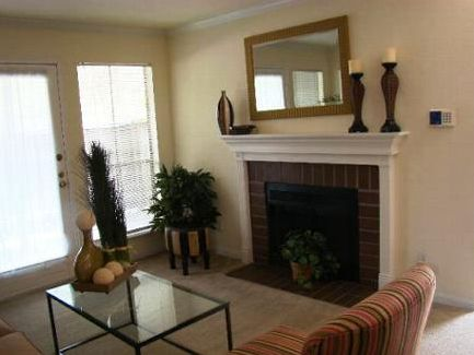 Living at Listing #139868