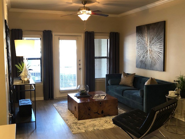 Living at Listing #146205