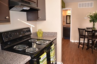 Dining/Kitchen at Listing #138369