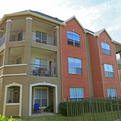 Thornbury at Chase Oaks Apartments Plano TX