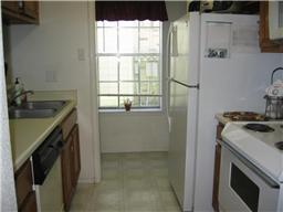 Kitchen at Listing #139371