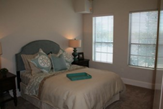 Bedroom at Listing #282006