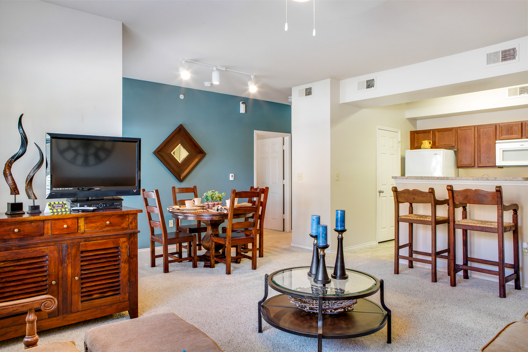 Living Area at Listing #145114