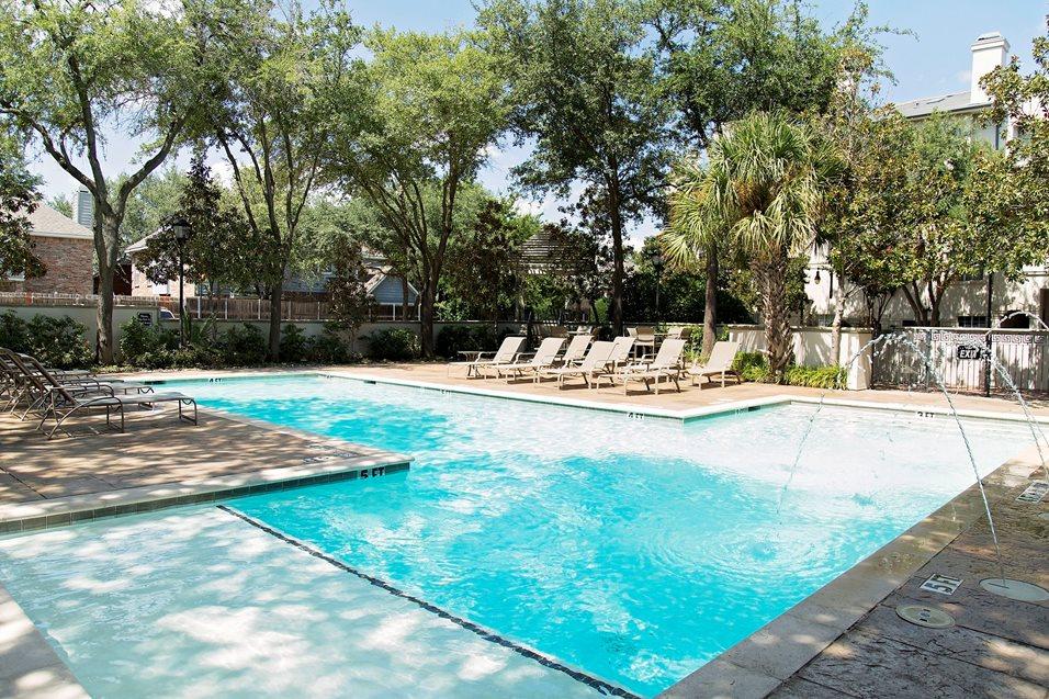 Pool at Listing #137586