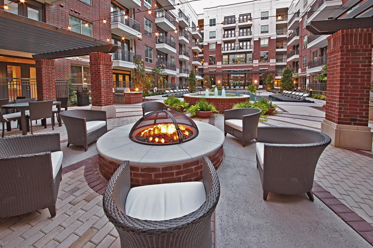 Fire Pit at Listing #229082
