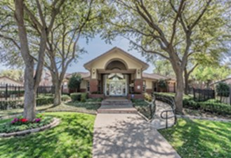 Exterior at Listing #136320