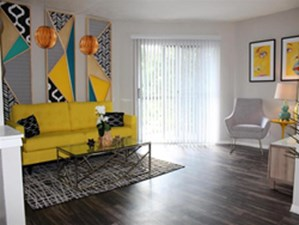 Living Room at Listing #140908