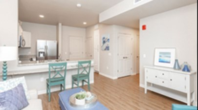 Living at Listing #281407