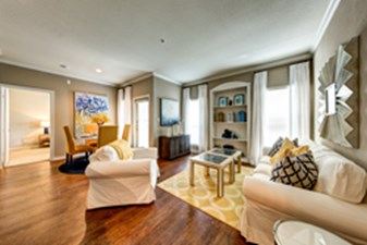 Living/Dining at Listing #141340