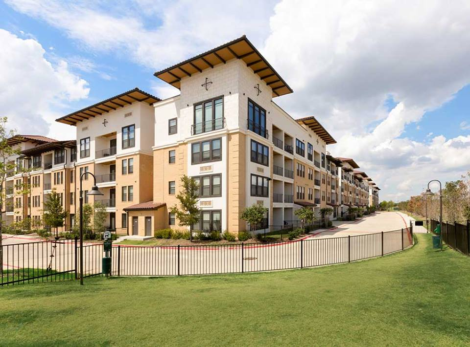 AMLI Campion Trail Apartments Irving, TX
