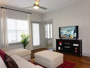 Living at Listing #331290