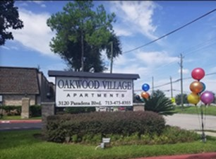 Oakwood Village at Listing #138421