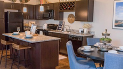 Dining/Kitchen at Listing #296313