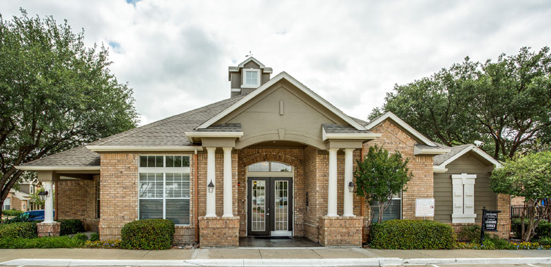 Exterior at Listing #137866