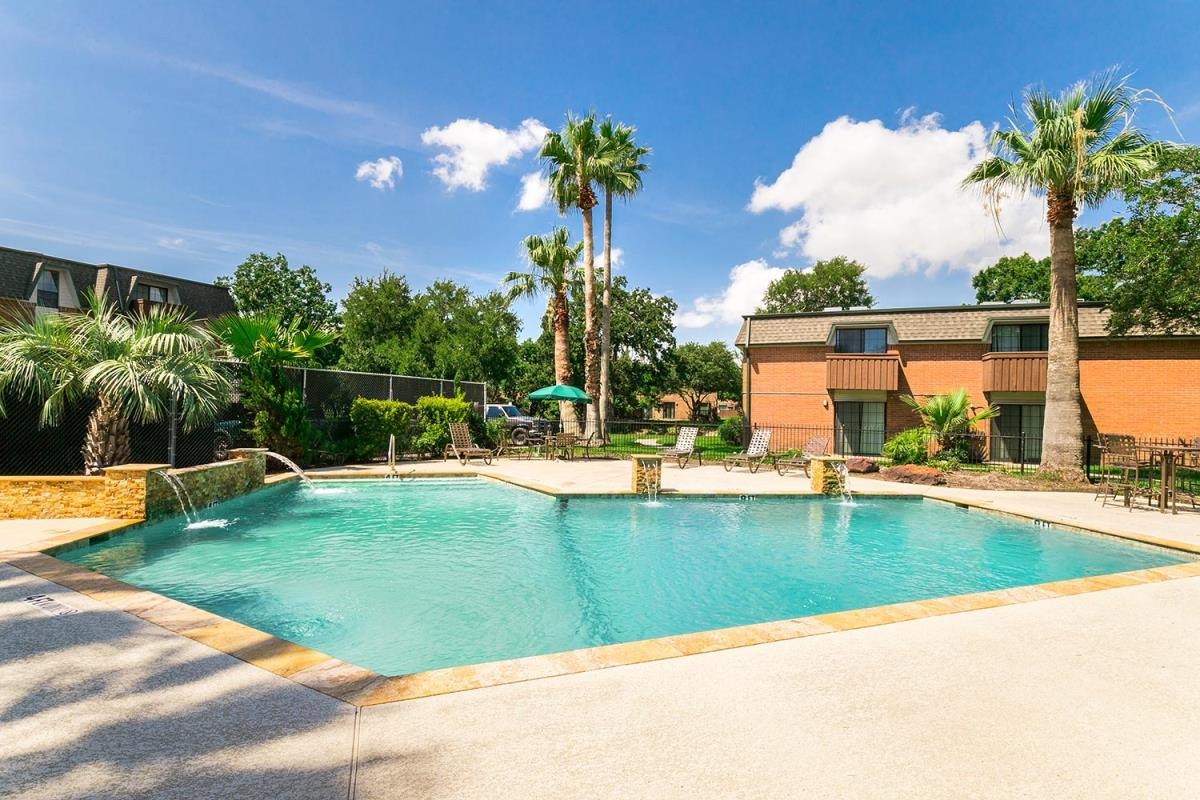 Pool at Listing #138449