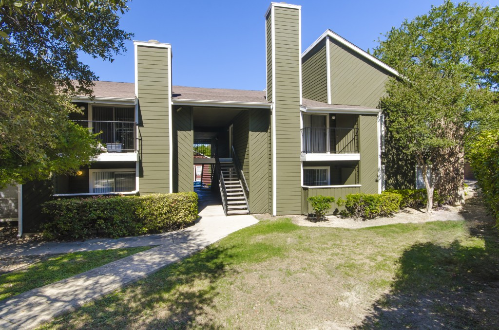 Exterior at Listing #141084