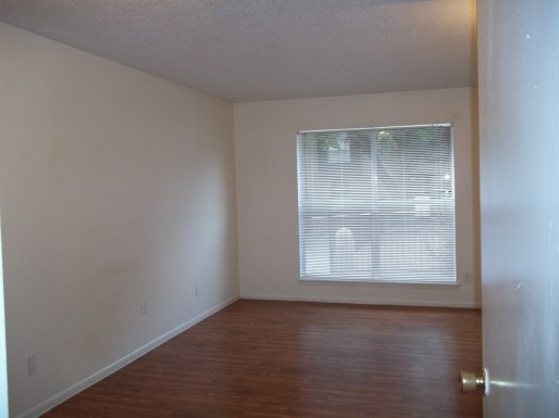Living at Listing #140958