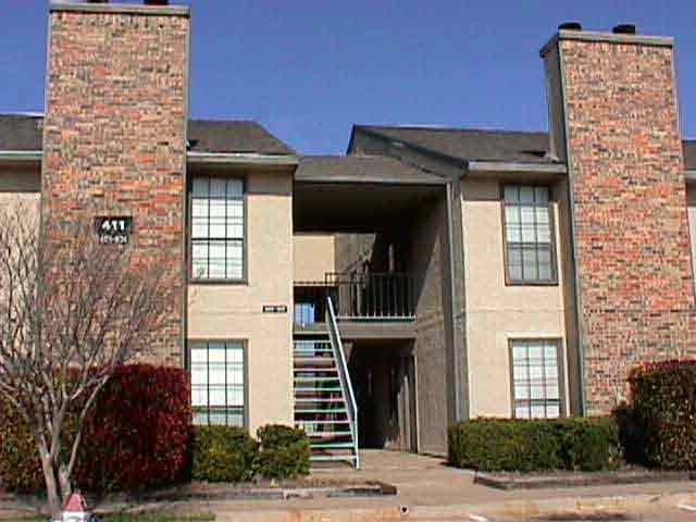 Exterior at Listing #136705