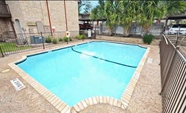 Pool at Listing #141225