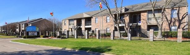 Green Meadows Apartments Houston TX