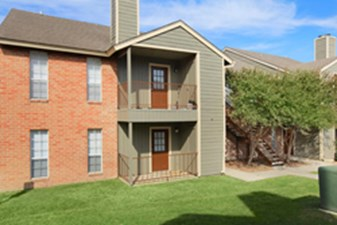 Exterior at Listing #141099