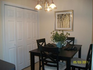 Dining at Listing #147743