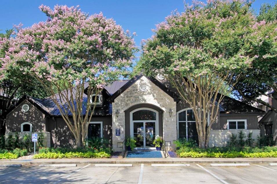 Avesta Lake Creek Apartments Austin TX