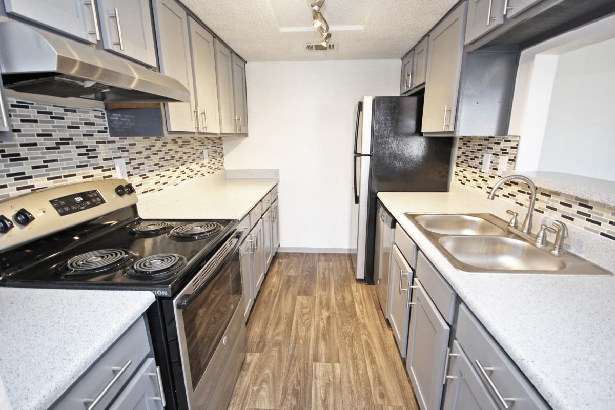 Kitchen at Listing #137054