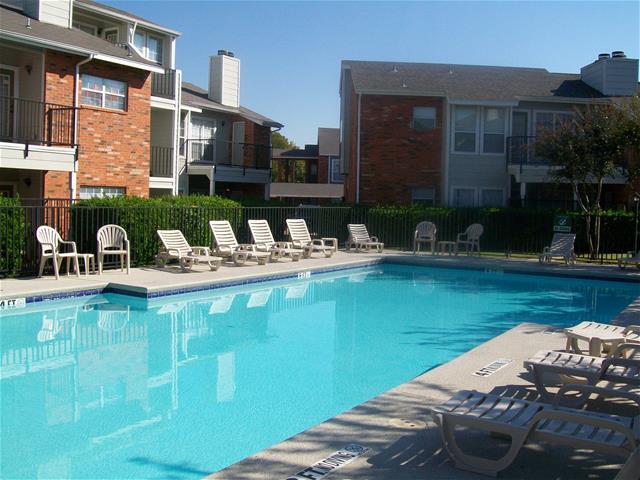 Pool at Listing #136810