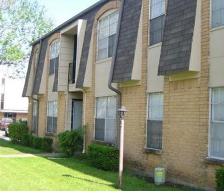 Glenview Square Apartments