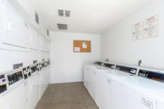 Laundry at Listing #141201