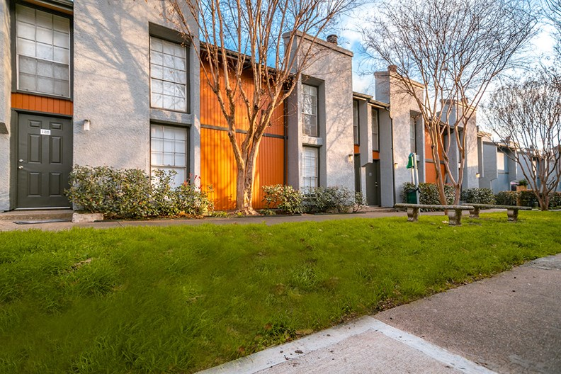 Oaklawn Heights Apartments