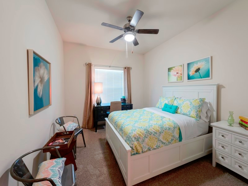 Bedroom at Listing #244593