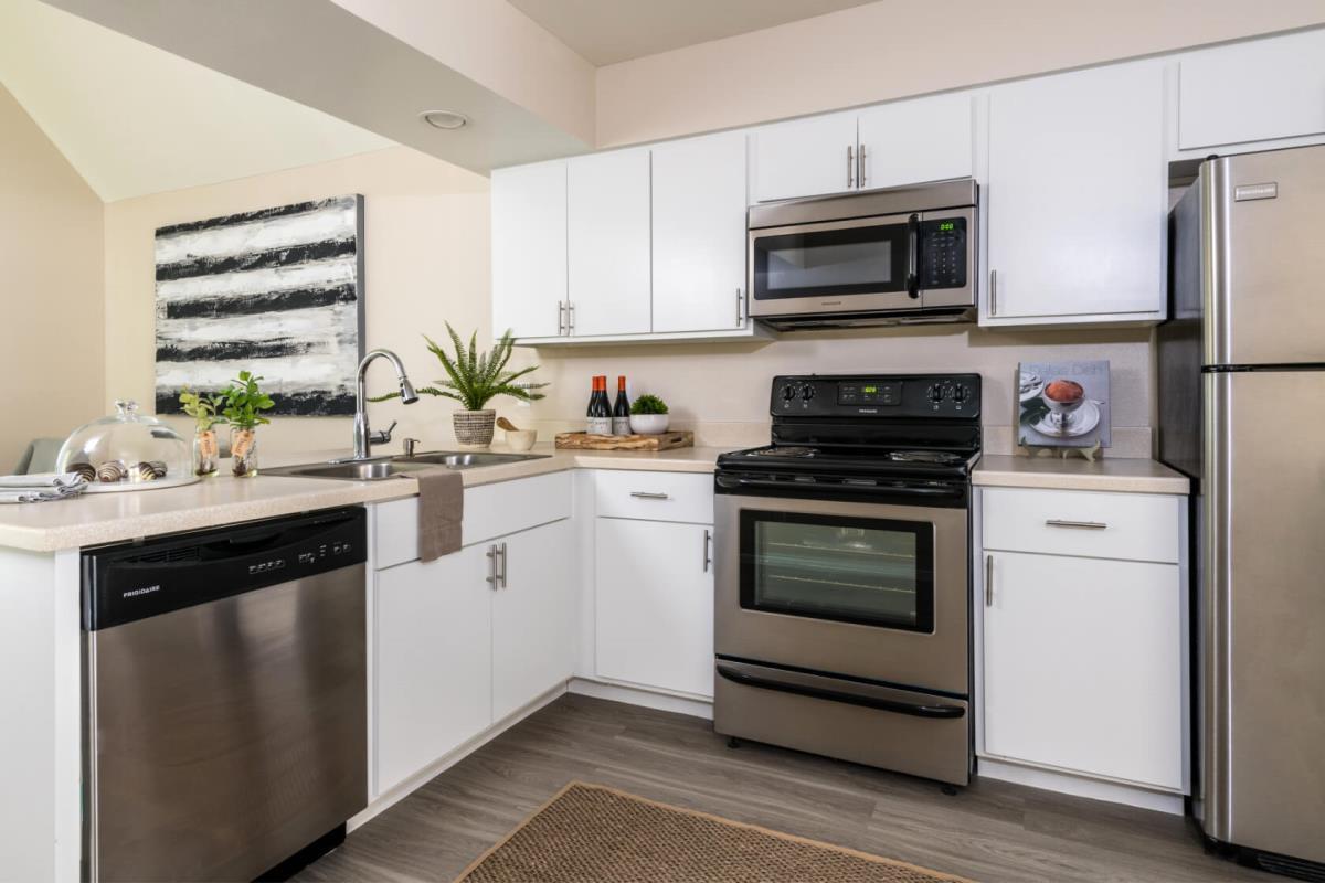 Kitchen at Listing #137398