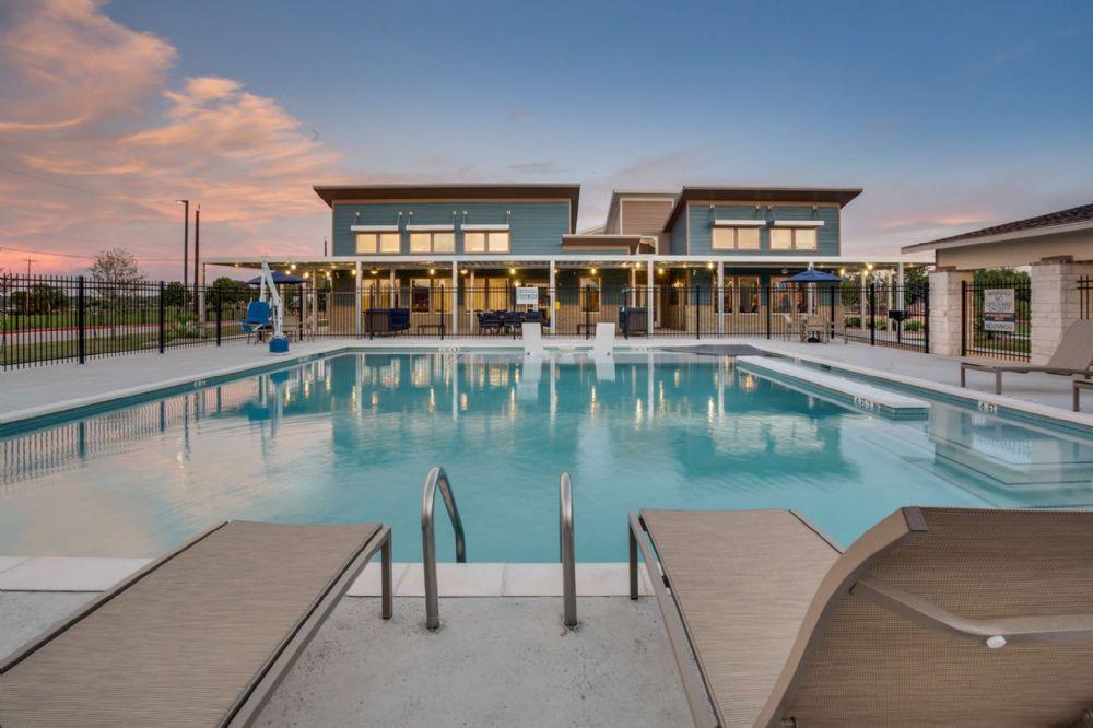 Pool at Listing #278464