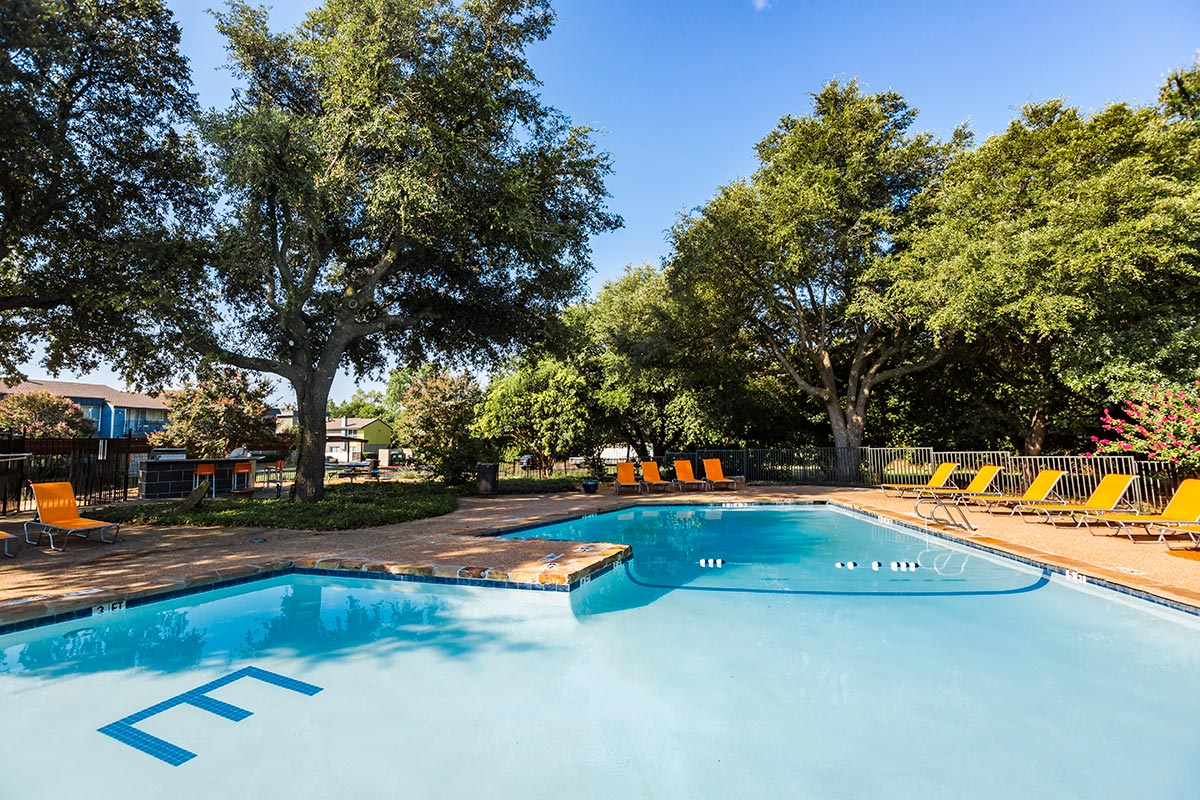 Pool at Listing #136557