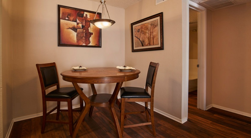 Dining at Listing #136221