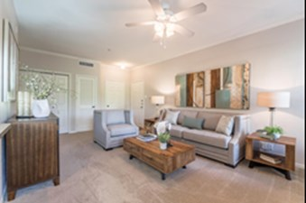 Living at Listing #137595