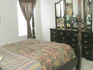 Bedroom at Listing #139213