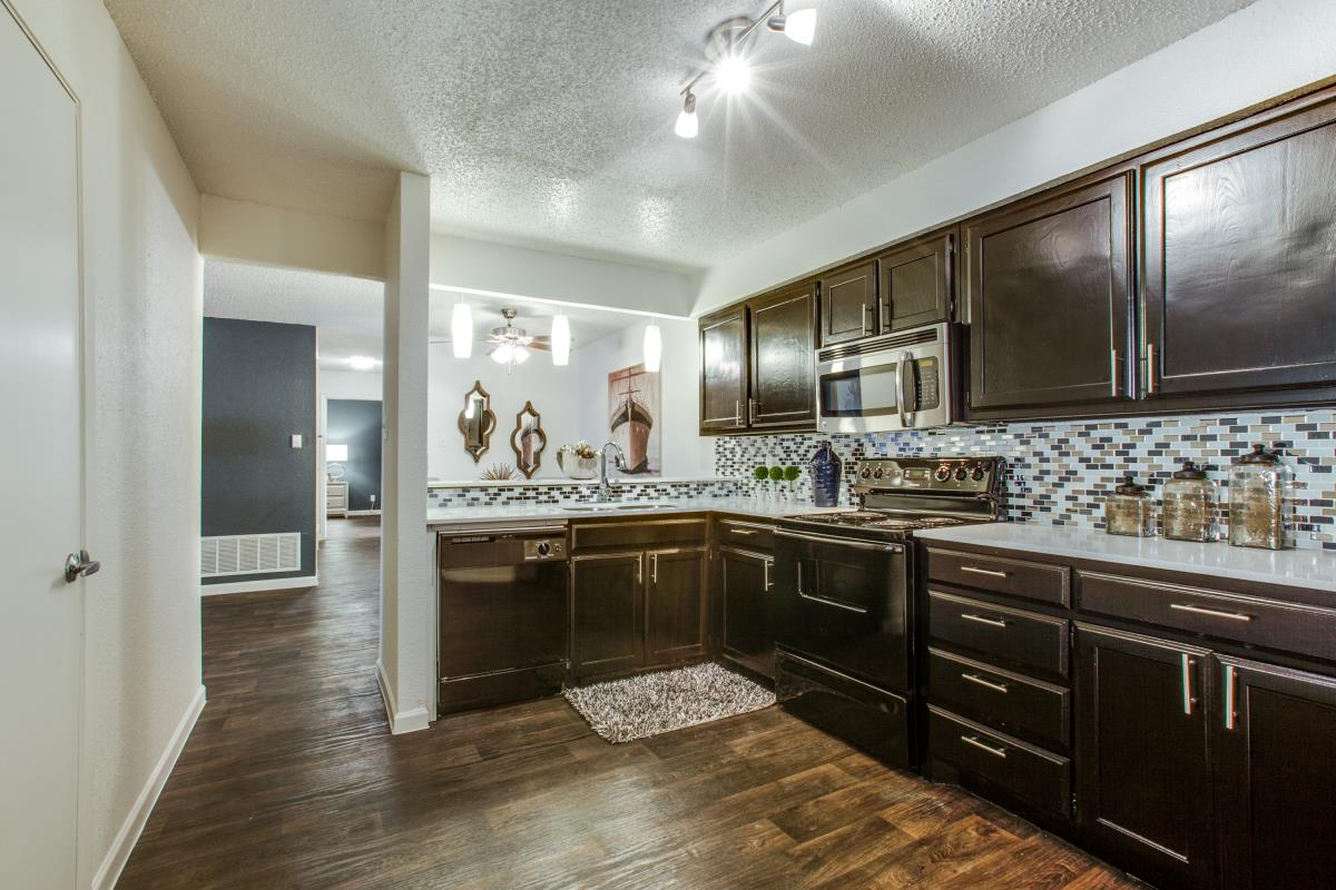 Kitchen at Listing #136874