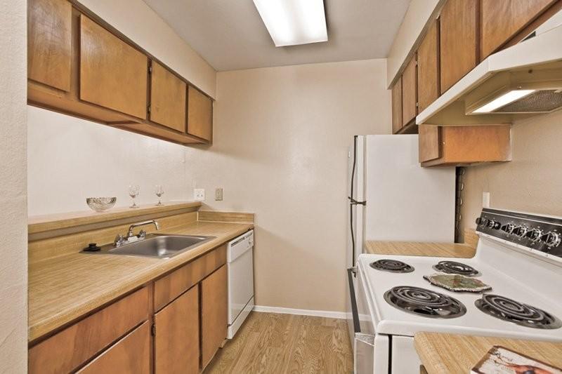 Kitchen at Listing #139202