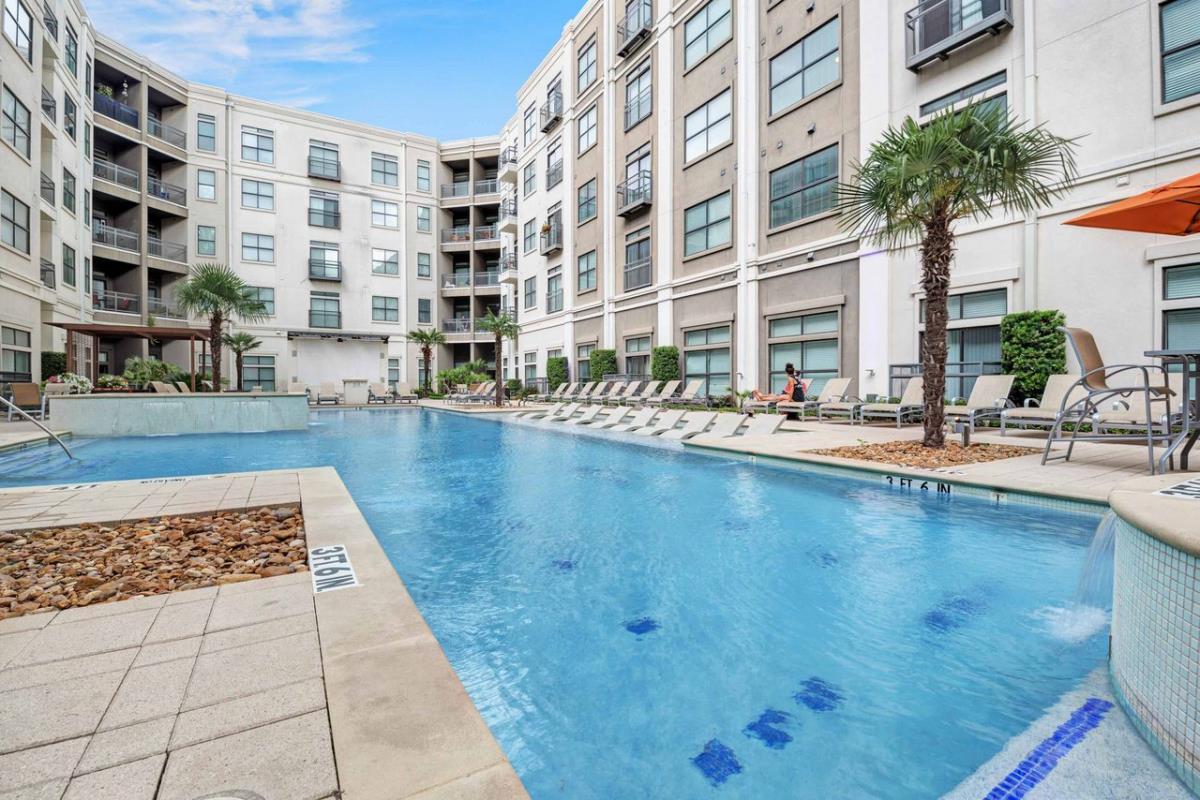Pool at Listing #147717