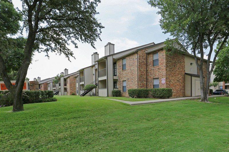 Estelle Creek North Apartments Irving TX