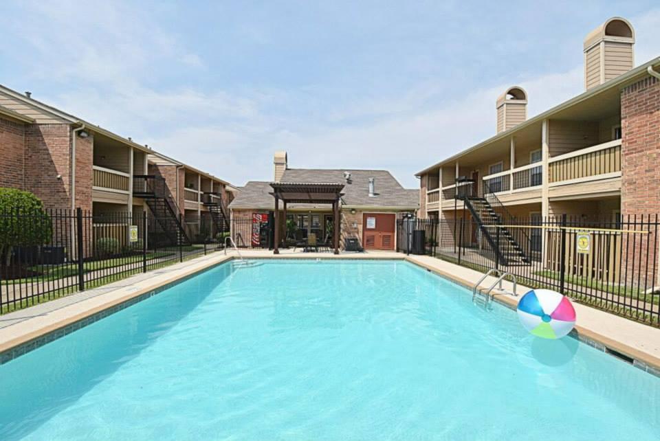 Pool at Listing #139216