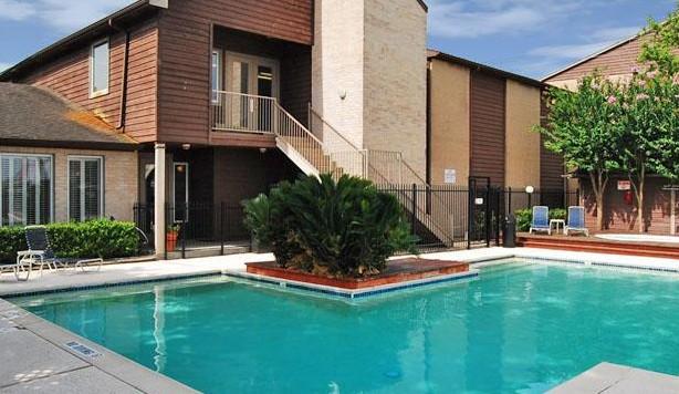 Pool at Listing #139918