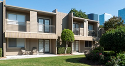 Exterior at Listing #138944
