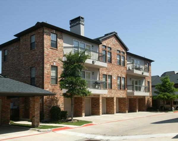 Villas at Parkside ApartmentsFarmers BranchTX